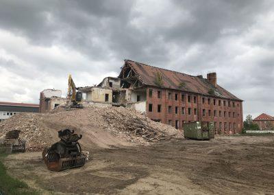 Abriss der ehemaligen Kasernengebäude in Ludwigslust, Mai 2019